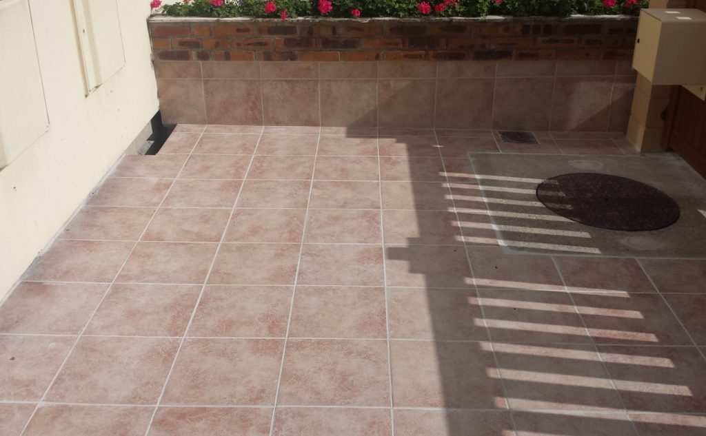 Pose de carrelage et terrasses ag bat for Etancheite terrasse avant pose carrelage