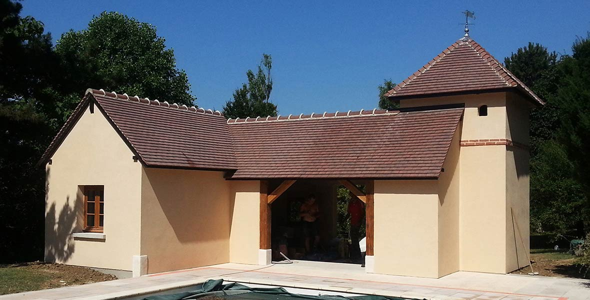 Construction neuve : pool house d'une piscine